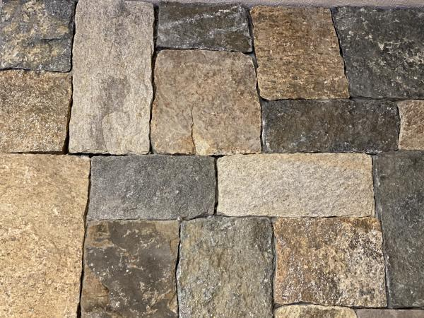 New England Blend square and rectangular pattern thin veneer stone