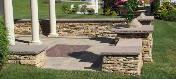 CT Tan wall stone with brownstone cap