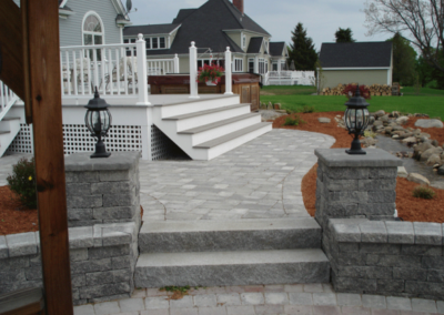Granite steps with Estate wall granite blend pillars and walls