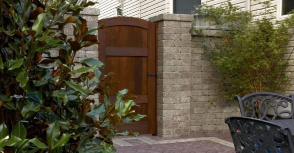 Wall and Gate with Brussels Dimensional wall stone