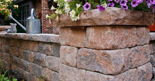 Unilock Estate Wall Segmented Retaining Wall planter post and wall