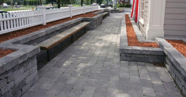 Unilock Patio seating retaining wall Brussells Dimensional