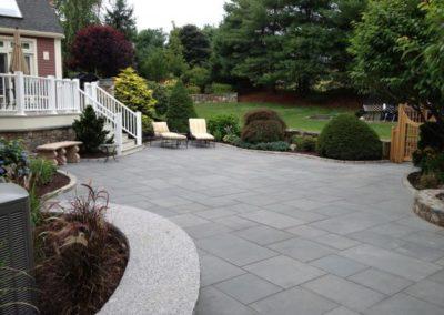 Thermal bluestone with cobblestone border