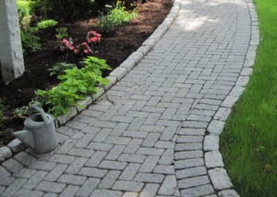Cassova pavers granite blend with cobblestone border