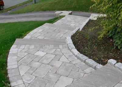 Brussels limestone walkway with brownstone treads
