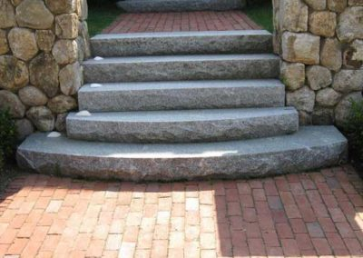 Radius granite step