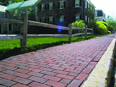 Walkway built with Genest Concrete Harborline Pavers